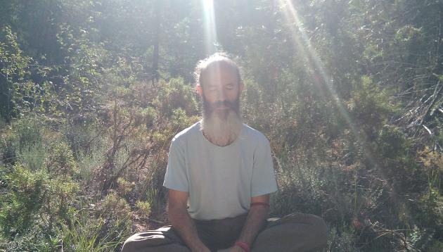 Métodos para hacer despertar la Kundalini: auto-rendición